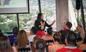La especialista mexicana Bárbara de la Rosa explica la importancia del autoempleo como vía a la independencia económica.